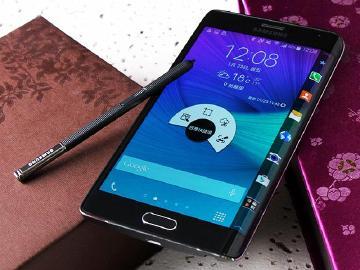 曲面側螢幕新旗艦 三星Note Edge外型、效能實測