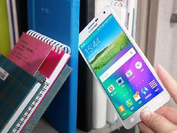 5.5吋全金屬超薄手機 SAMSUNG GALAXY A7